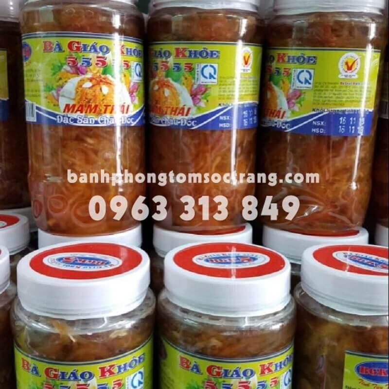 cửa hàng bánh kẹo quà tặng gần sân bay Tân Sơn Nhất